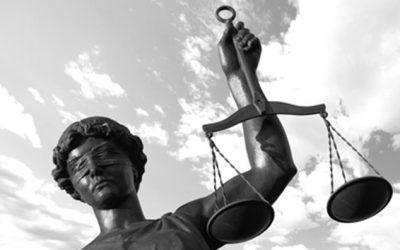 Droit à un procès équitable et séparation des pouvoirs