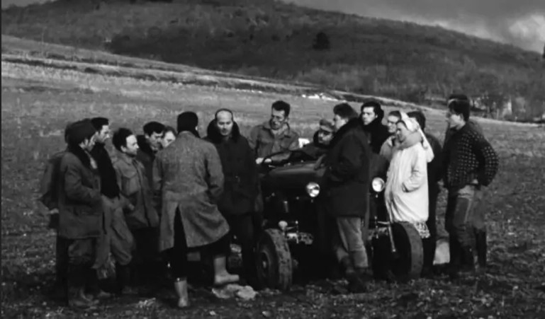 Membres de la communauté de Pardailhan, 1961. source Facebook.