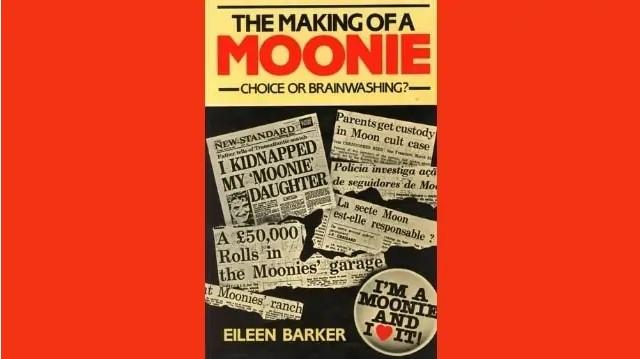 """Le livre d'Eileen Barker intitulé """"The Making of a Moonie"""", publié en 1984, a eu une influence déterminante dans la démystification des théories de lavage de cerveau, considérées comme pseudo-scientifiques."""